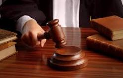 Huissiers de justice et commissaires-priseurs judiciaires.