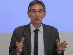 Le Dr Claude LEICHER, membre du bureau de la CNPL et ancien président de MG France, membre de la CNPL, promu chevalier de la légion d'honneur.